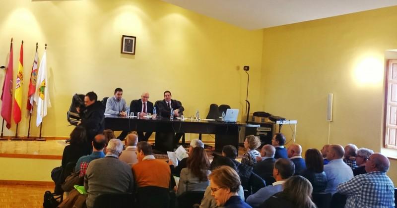 Reunión del Presidente de la Diputación con Alcaldes y Secretarios de Ayuntamientos de la Comarca