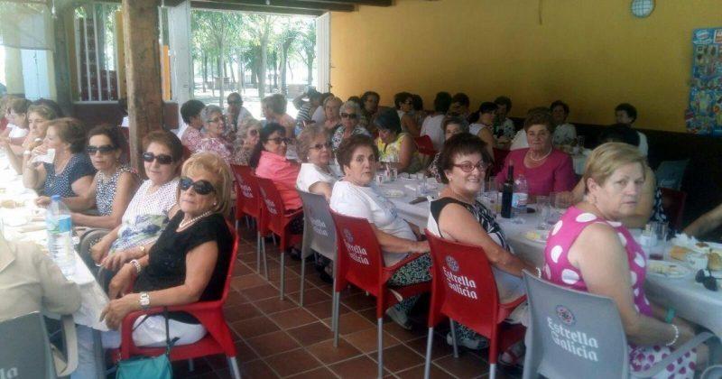 La Asociación Cultural de la Mujer de Fresno el Viejo celebra su comida de hermandad