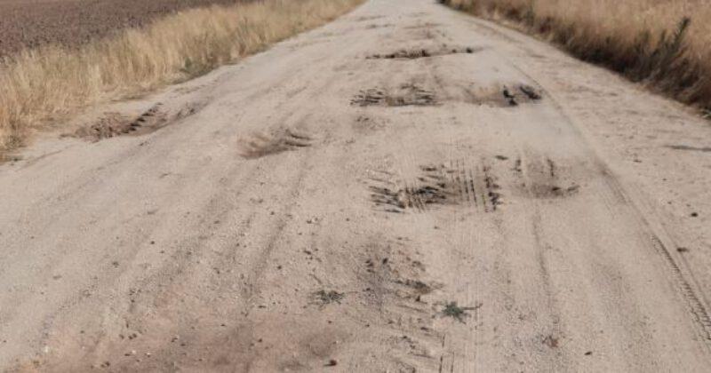 El Ayuntamiento de Fresno el Viejo alcanza un acuerdo con la Junta Agropecuaria Local para arreglar los caminos agrícolas municipales.
