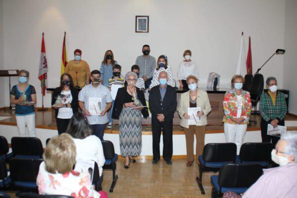 Entrega de premios del concurso de relatos y poesías organizado por asociación la cultural de mujeres de Fresno el Viejo