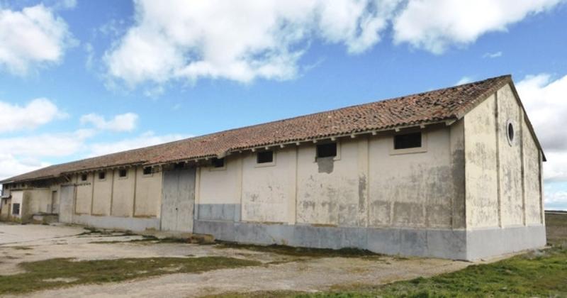 La Junta de Castilla y León cede la propiedad de la unidad de almacenamiento de Fresno el Viejo al Ayuntamiento de esta localidad