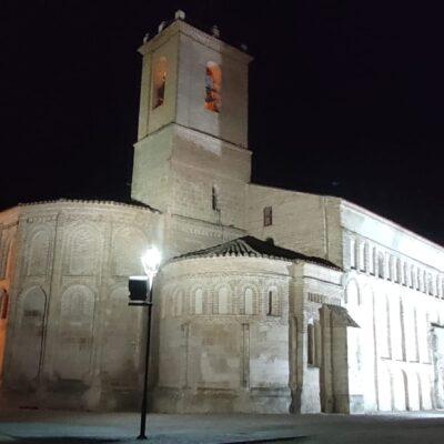 La iglesia San Juan Bautista vuelve a estar iluminada